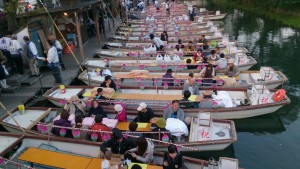 「どんこ舟に乗って白秋祭水上パレード」<307>